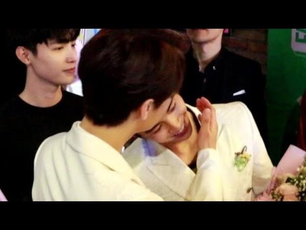 Park Jung Min bất ngờ hôn Lãnh Thanh khiến các fan nữ hốt hoảng