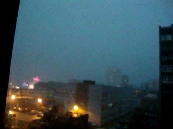 молния ударила в жилой дом. коломна 15. 06 2012