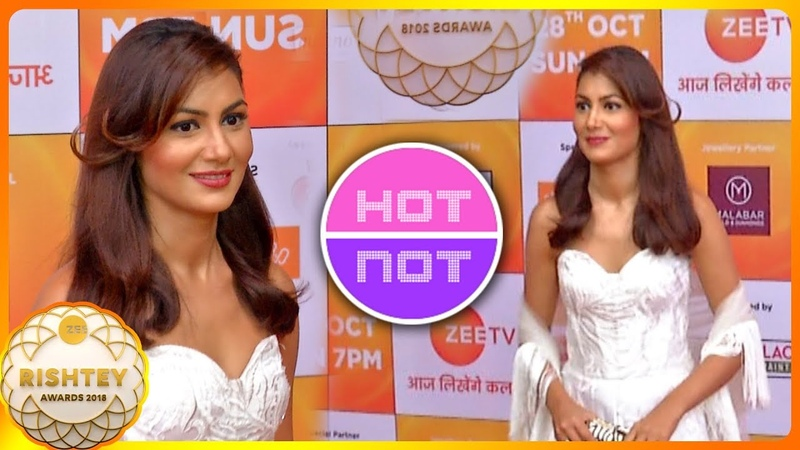 Sriti Jha aka Pragya Hot Look At Zee Rishtey Awards 2018 Kumkum Bhagya