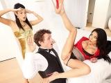 Молодая невеста спалила, как её жених ебёт свою будущую тещу, измена, секс, трах, большие сиськи, порно HD 720 sex porno