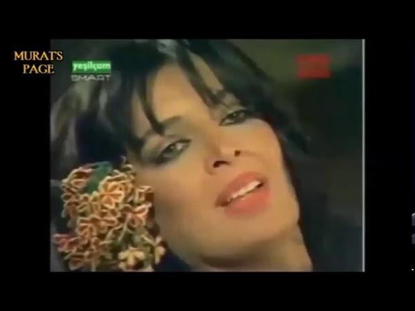 Sen ne avratmışsın bee Zerrin Egeliler Aydemir Akbaş Erotik Sahneler 18