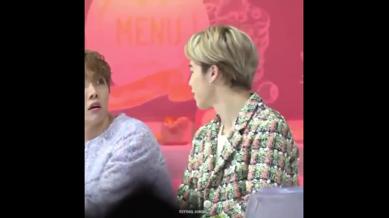 When jimin noticed hobi fansite he moved so hobi could be filmed by his fansite ♡