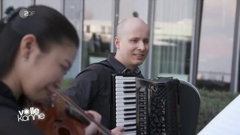 Duo AMuse Open Air concert in Robert Bosch Hospital
