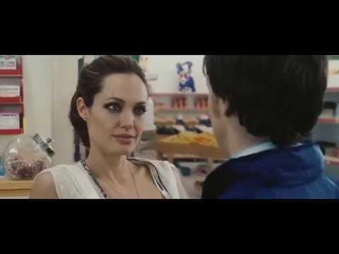 Анджелина Джоли Особо опасен 2008