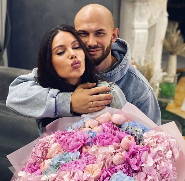 Оксана Самойлова и Джиган помирились.