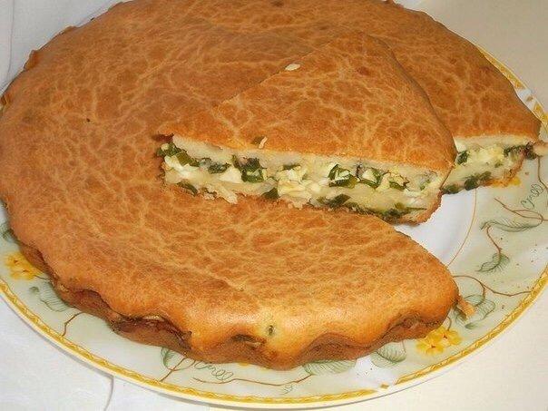 Мой любимый заливной  пирог с зелёным луком и яйцом