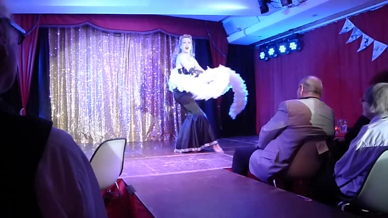 Dixie Dynamite in Sophisticated Lady Classic Burlesque @ Rote Bühne Burlesque Jubiläumsshow Z2GEEdGpbIw 720p