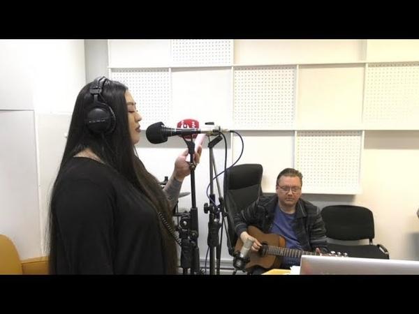 Журналист ОТРК «Югра» спела песню в радиоэфире