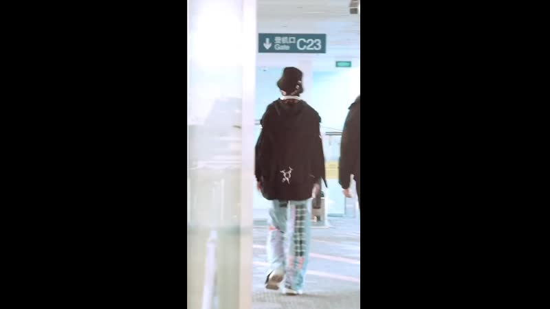 130720 ONER's Ling Chao airport fancam