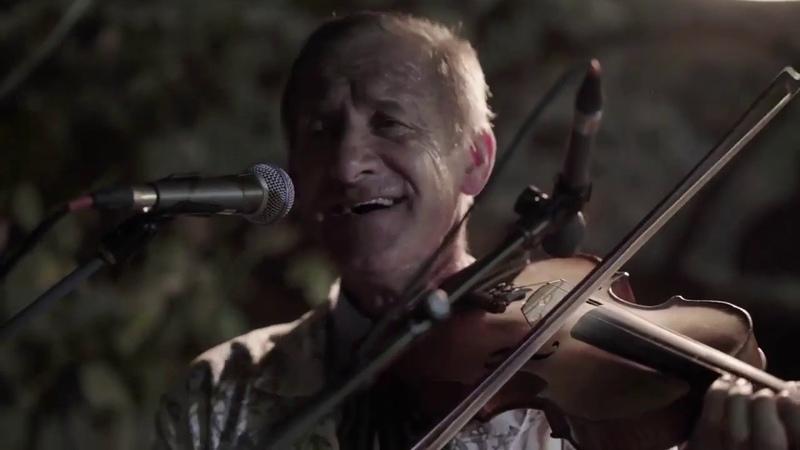 СЕЛИСЬКІ ГУДАКИ Закарапатська співана давня народна коломийка