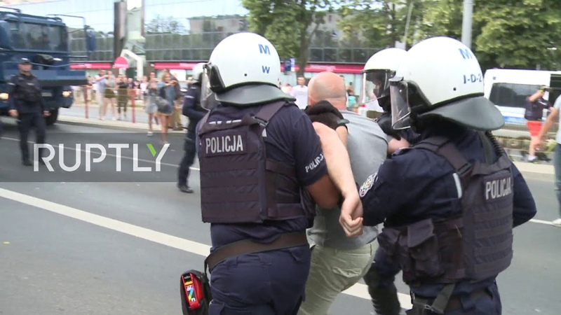 Poland Bialystoks first LGBT Pride march met with counter-protest