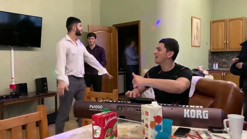 Лезгинка В городе Сургуте Сакит Самедов красавчики Друзья лезгинка класс