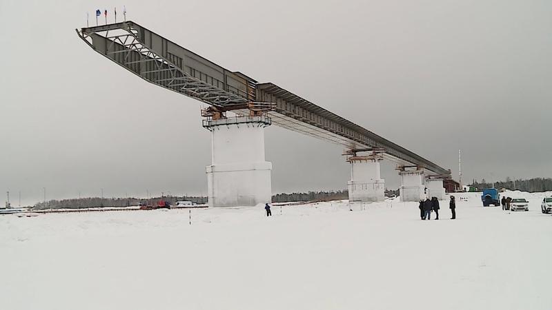 На мосту через реку Пур завершены работы по надвижке 4 этапа пролётного строения
