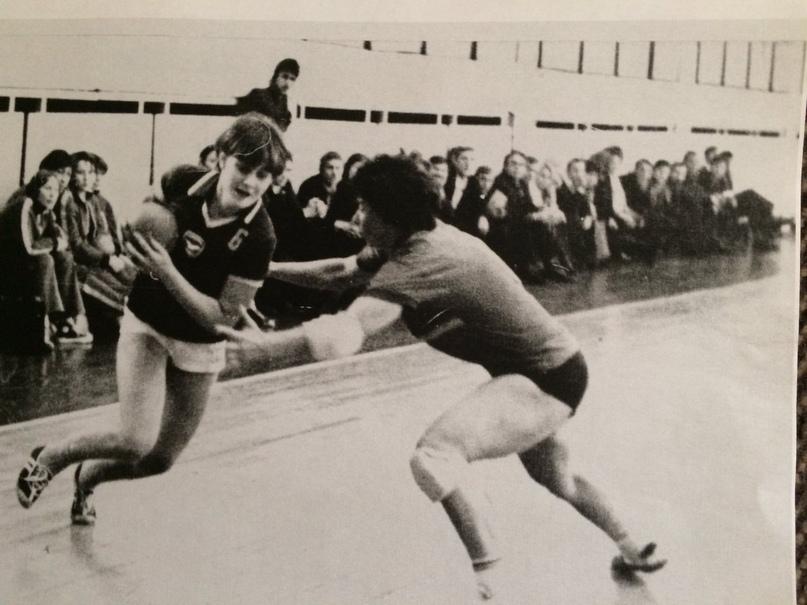 В атаке Лариса Дмитриева. 1975 г.