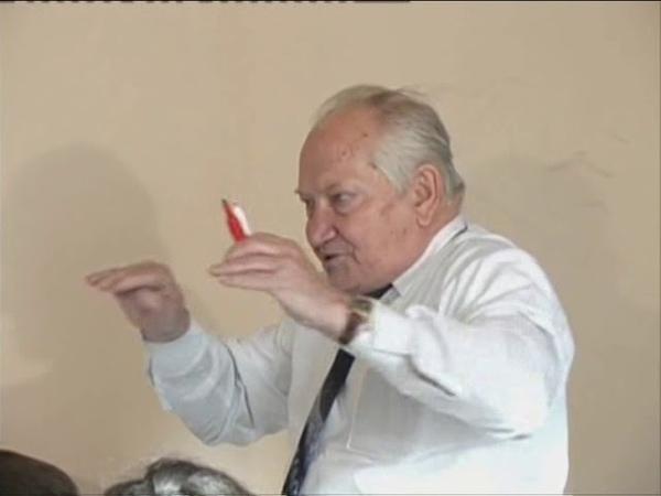 Шаталов В.Ф. Теорема о пересечении сторон треугольника, о смежных углах треугольника.