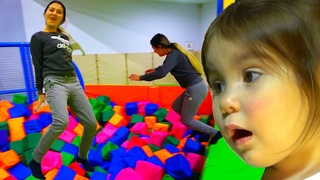 Yana with mom go Indoor Playground for kids Family Fun Jump on a bounce