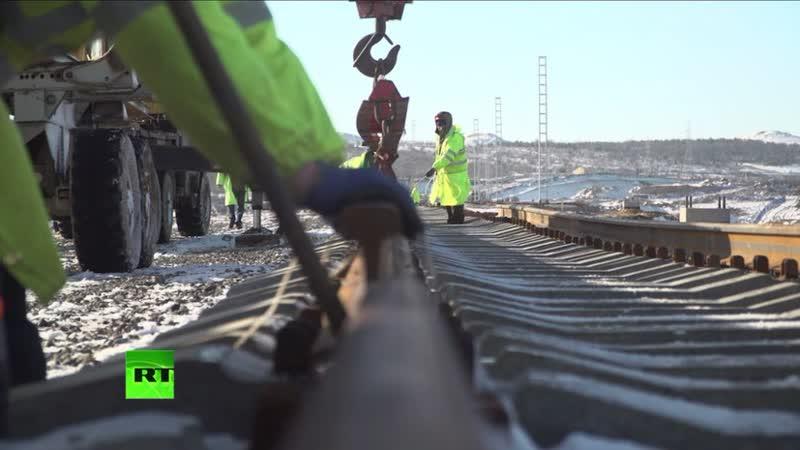 Построен первый километр железной дороги к Крымскому мосту