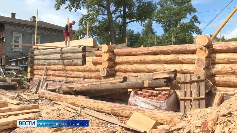 Реставраторы восстанавливают памятник культурного наследия в Вологде