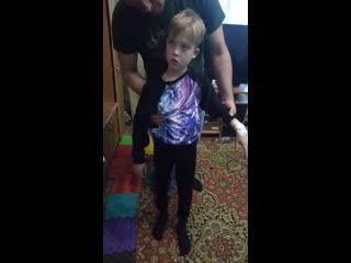 """Ребенок съел конфетку (синтетический наркотик, созданный специально для детейназывается """"земляника"""") возле школы, приклеенные н"""