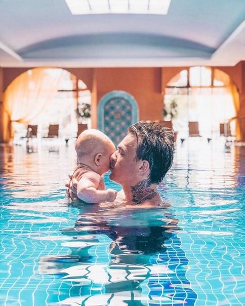 Влад Топалов поделился снимком с сыном!