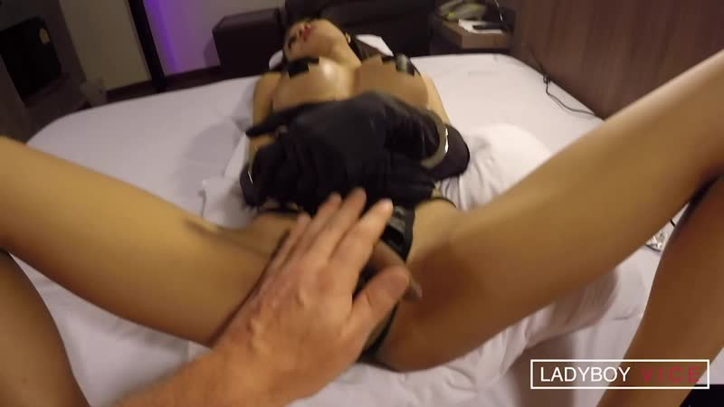 Ladyboy Vice Madonna Taped Nips Pantie Aside Sex (16 05 2020)