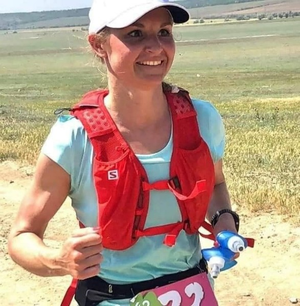 В Одессе умерла участница ультрамарафона, которой стало плохо на забеге Участница соревнований Ультра-Трейл Куяльник в Одесской области Катющева, которой стало плохо на забеге и ее искали 8