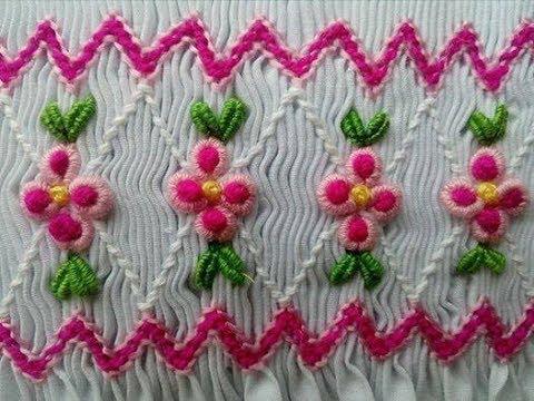 Flores en Puntada Rococó Bordado Nido de Abeja