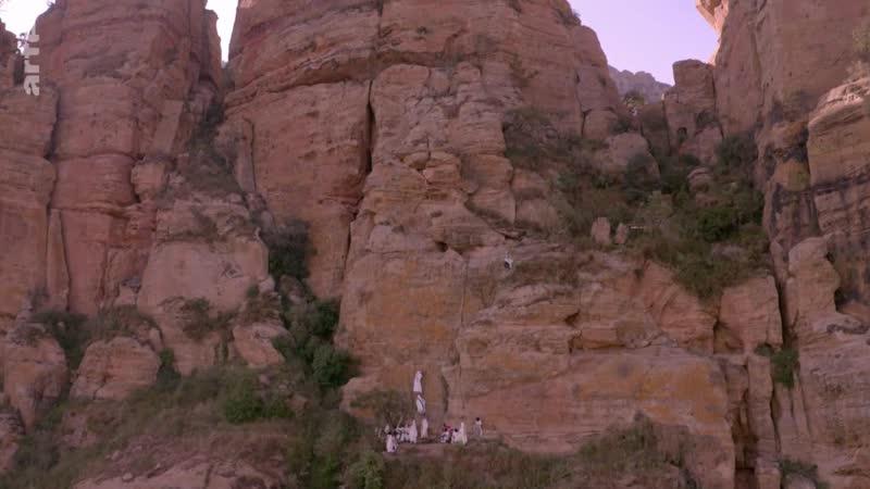 Rituels du monde ethiopie Éthiopie un baptême dans le ciel