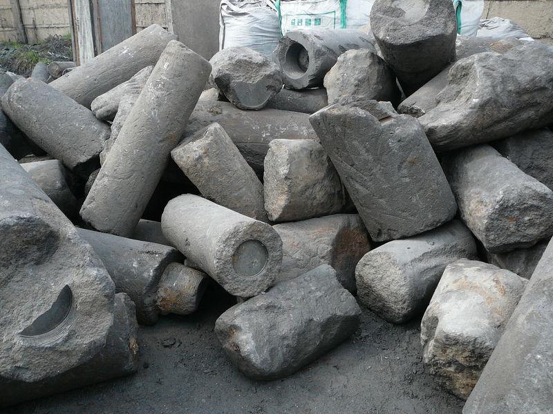 Минэкологии провела в Красносулинском районе проверку предприятия по производству графита на предмет выброса в атмосферу загрязняющих веществ.