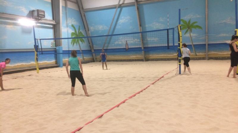 Игровой день клуба пляжного волейбола BVC для уровней Первый шаг и Новички
