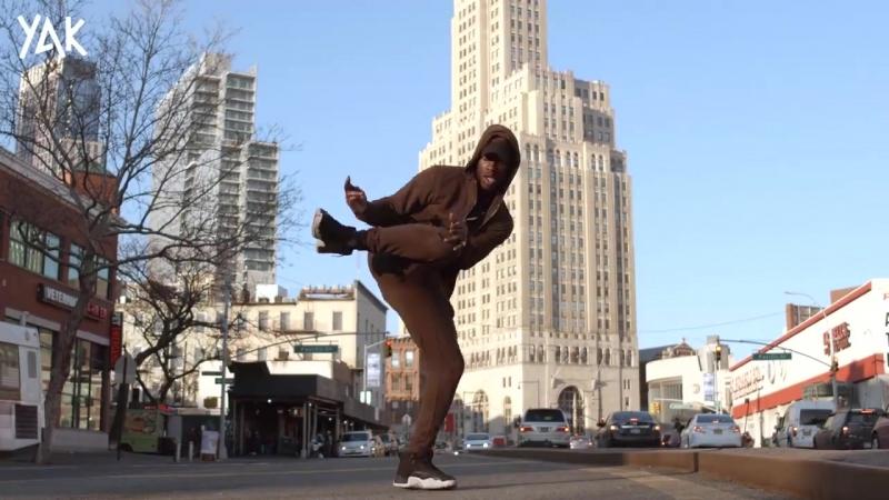 YAK Films - NYC Flexing to FDM KELLZ