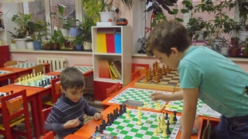 Шахматы, обучаем играя! Омск, 3-я Молодёжная 69/1.