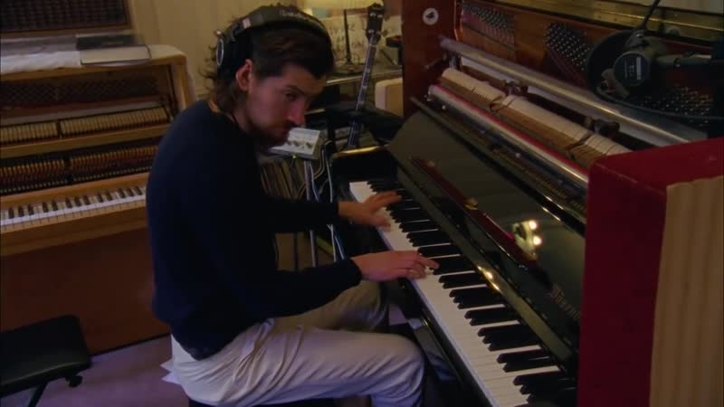 Arctic Monkeys – Warp Speed Chic (Full Film)