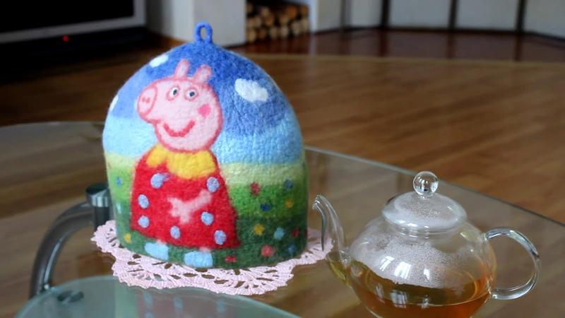Подарки ручной работы для женщин. Грелка на чайник Свинка Пеппа.