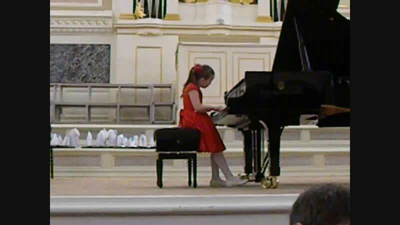 Из ГАЛА-КОНЦЕРТА в КАПЕЛЛЕ . Младшая группа. Играют ЛАУРЕАТЫ: Устина Фатькова и Миша Пироженко