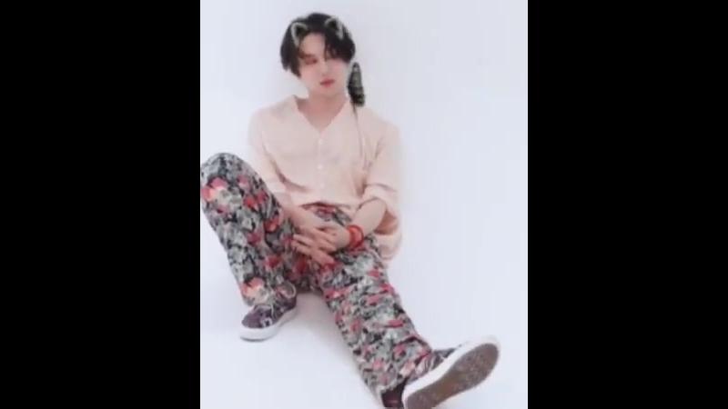 180921 - - Heechul IG update 463 - - 오랜만에 병약한 미소년인척 하려니 너무나도 쑥스러운 것 Feat. 김스 - OneMoreTime