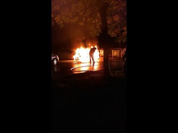 21.09.2018 г. в Тольятти во дворе дома № 26 по улице Лизы Чайкиной горели автомобили