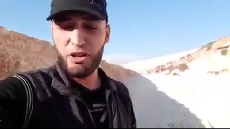 Повстанец из Идлиба Турции Если вы продадите Идлиб, то это ваша стена, а это наш туннель. Мы будем в Рейханлы менее чем за 2 ч