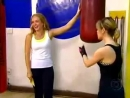 Estrelas_Ang_lica_e_Sandy_se_enfrentam_em_luta_de_boxe