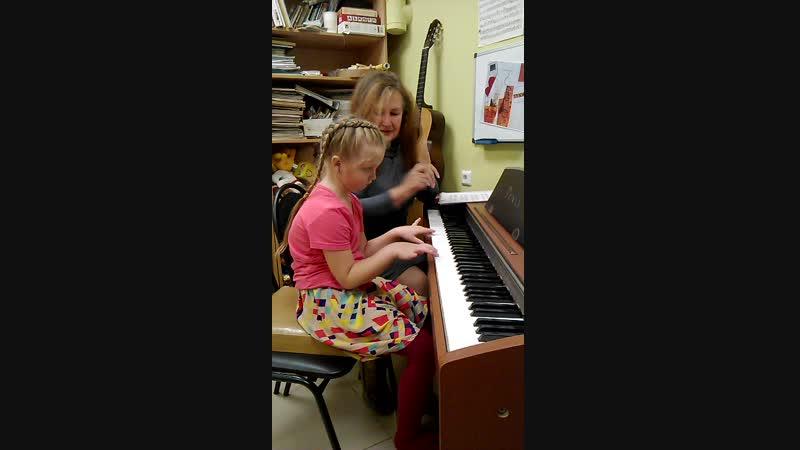 Капризуля на фортепиано в Творческой мастерской на Ленина 162-а,44-75-09