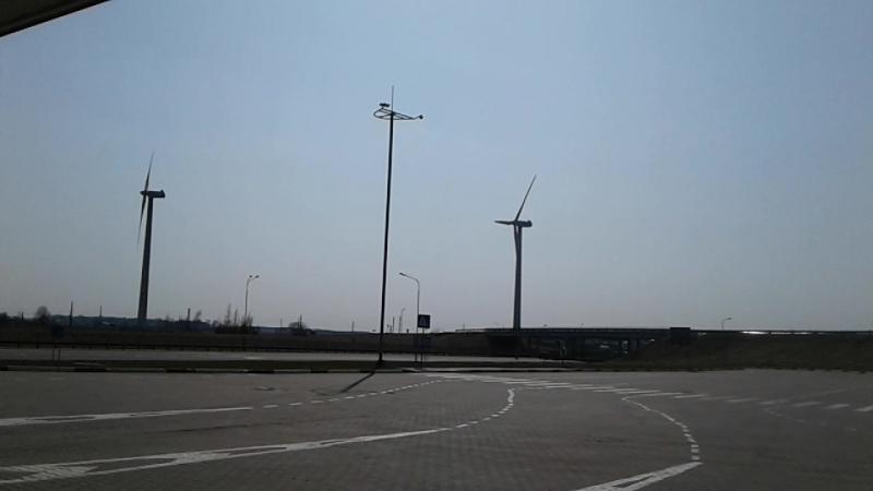 Ветряные мельницы вырабатывающие энергию По пути в г Барановичи и с Речки