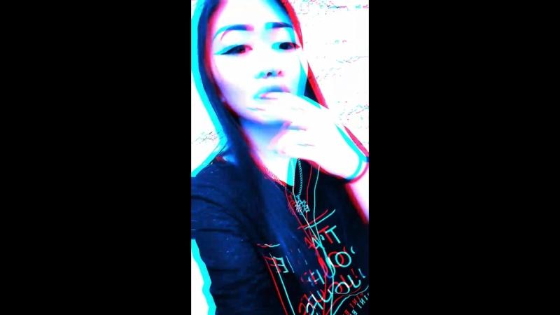 Snapchat-1492478006.mp4