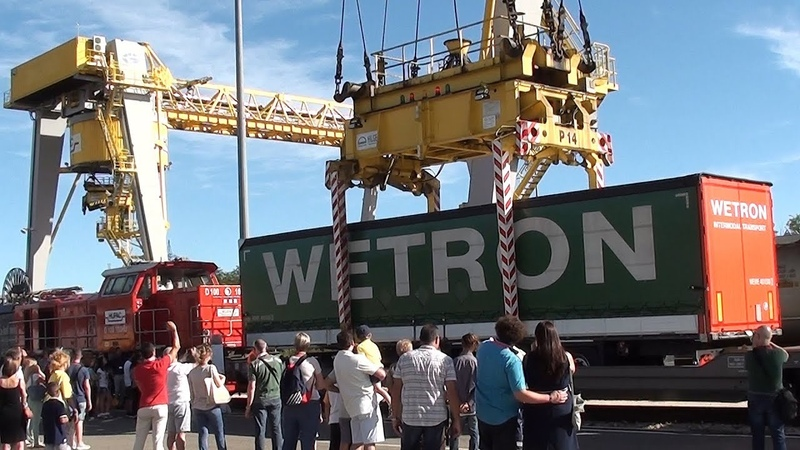 Hupac Italy, Open day 50 years, Crane and Terminal tractor move
