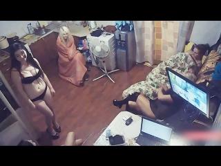 Нападение вооружённых кавказцев на русский бордель. Ограбление девушек жесть!