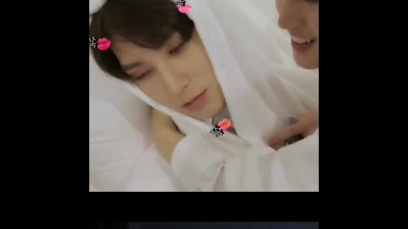 Just hui leadernim... being gay...to shinwon and changgu