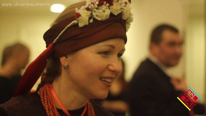Показ традиційного одягу України в Дніпрі