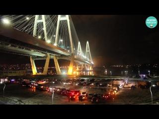 Автоёлка под Вантовым мостом 2017 всероссийский флешмоб