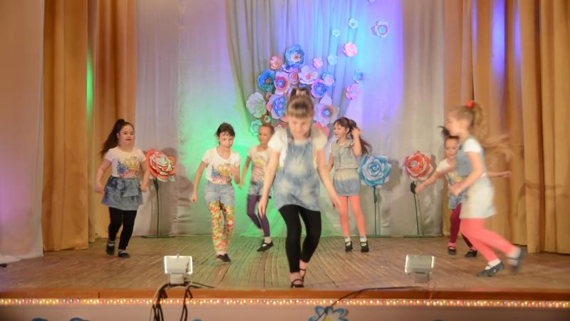 8 марта Юго камский ДК Творческий коллектив Новик танец Мы маленькие дети