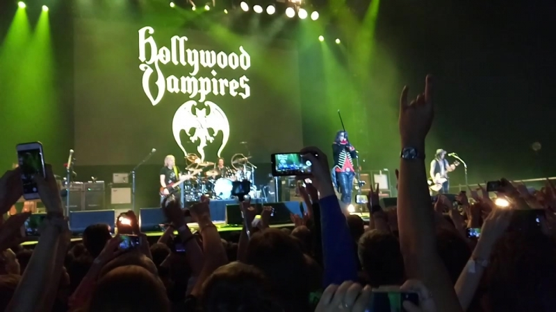 Hollywood Vampires - School's Out