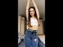 Милая школьница танцует 9